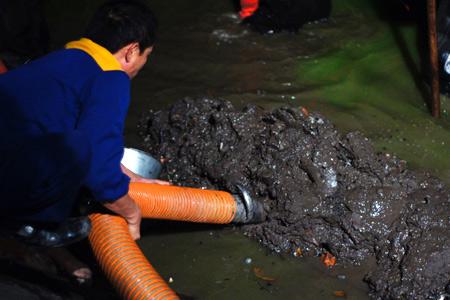hút bùn ao hồ, bùn vi sinh